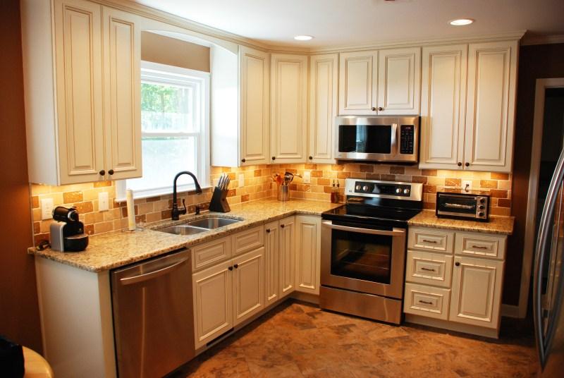 Custom Kitchen And Countertops Cabinets Backsplash